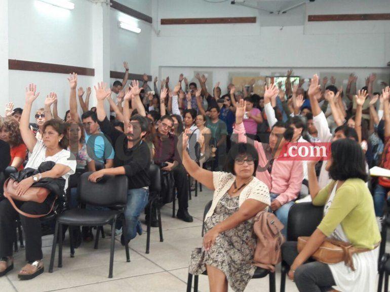 CEDEMS y ADEP rechazaron la propuesta del gobierno y anunciaron medidas