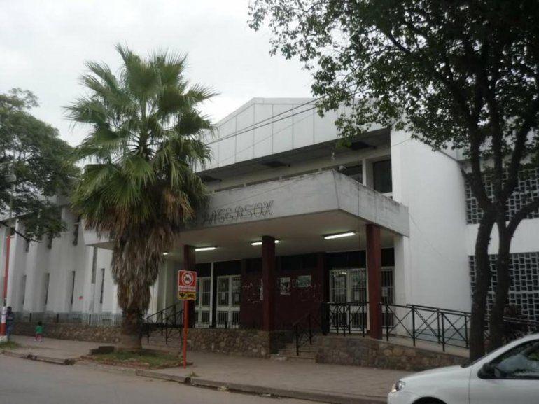 Se inundó el hospital Paterson de San Pedro y se complica su funcionamiento pleno