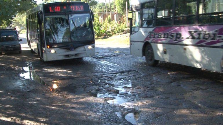 Son baches pero parecen cráteres: Vecinos molestos por el estado de la avenida Bolivia