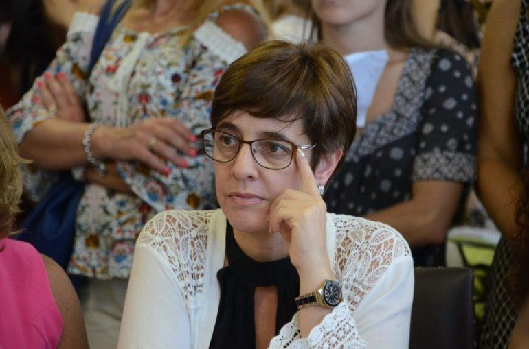 La diputada Burgos distinguida por su labor en el Congreso de la Nación