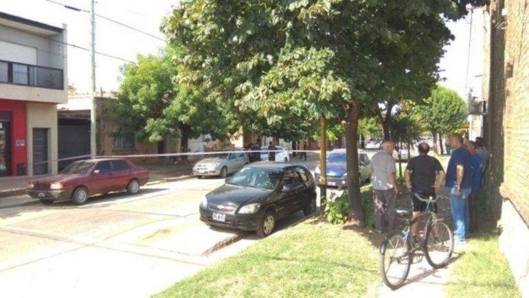 Escuchó ruidos en el techo, buscó una escopeta y mató por accidente a su hermanita de 9 años