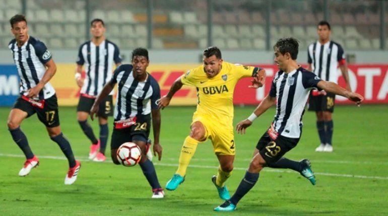 Boca empató ante Alianza Lima en Perú en su debut en la Copa