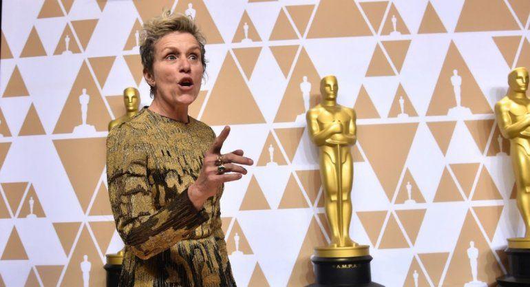 La actriz McDormand ganó un oscar, se lo robaron y lo volvió a recuperar