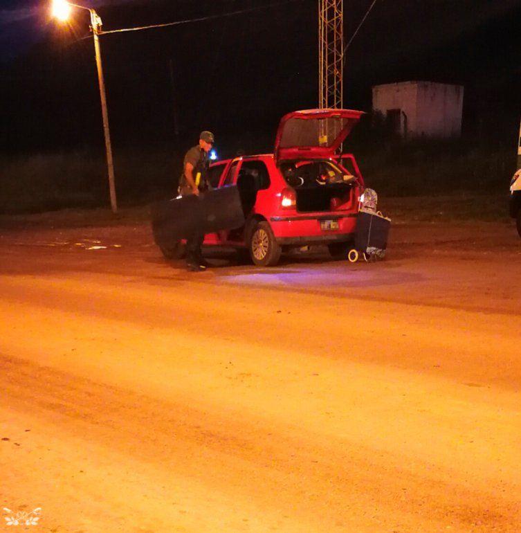 Entre zapatillas y bombachas: cuatro personas fueron detenidas por traficar droga en Salvador Mazza