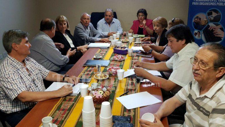 Paritaria docente: podrían sancionar a ADEP y CeDEMS por no acatar la conciliación obligatoria