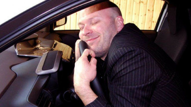 Este auto que se vende solo: si alguna vez te costó desprenderte de un auto no te podés perder este video