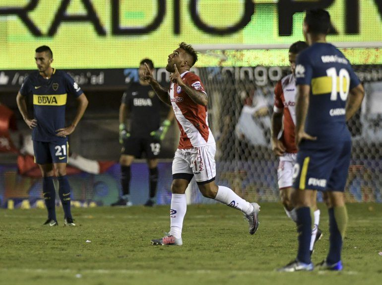 Argentinos venció a Boca, que no pudo estirar la ventaja sobre sus perseguidores
