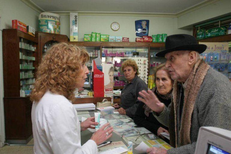Desde abril bajan los precios de casi 9 mil medicamentos para el PAMI