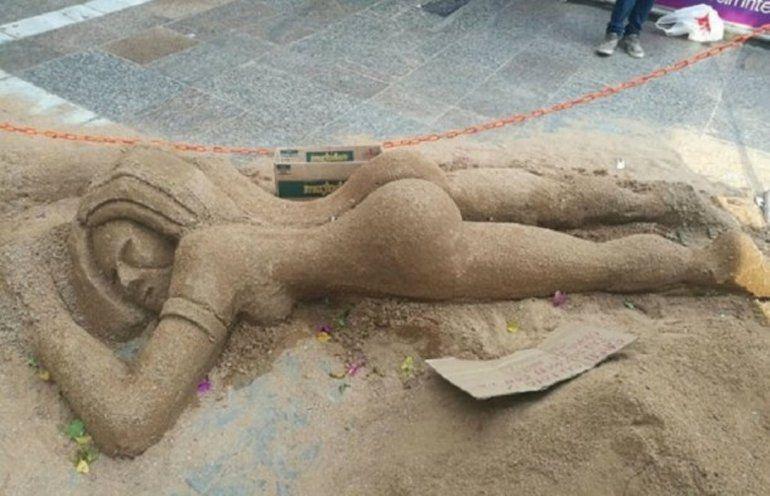 A Sol Pérez le hicieron una escultura en arena y lo festejó con un video hot