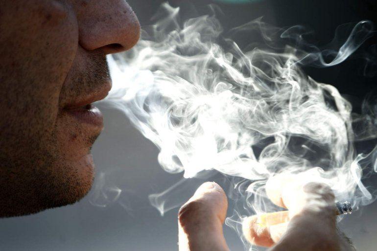 Al año mueren casi 1 millón de no fumadores por el humo ajeno