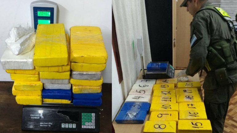 Salta: detuvieron a una pareja que llevaba 65 mil pesos y más de 20 kilos de cocaína
