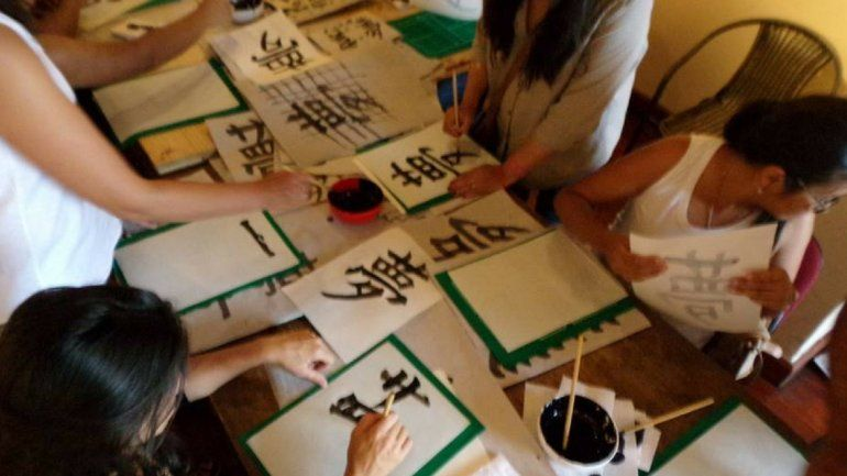 Para agendar: un artista japonés llega a Jujuy para dar un taller de caligrafía