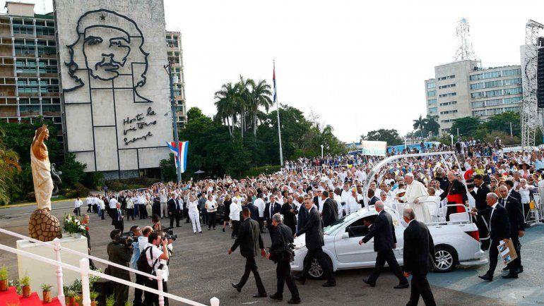 Francisco recorrió 34 países: visitas históricas a Tierra Santa, Cuba y Chile
