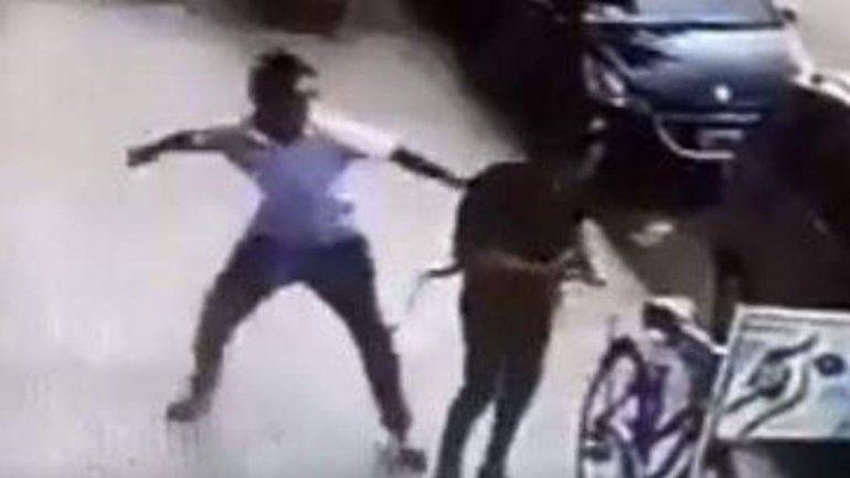 Creen que el loco de Palermo atacó a otra mujer golpeándola en la cara