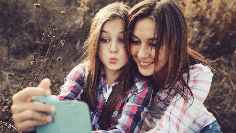 Se le llama selfitis a la obsesión de sacarse fotos a cada rato en cualquier parte