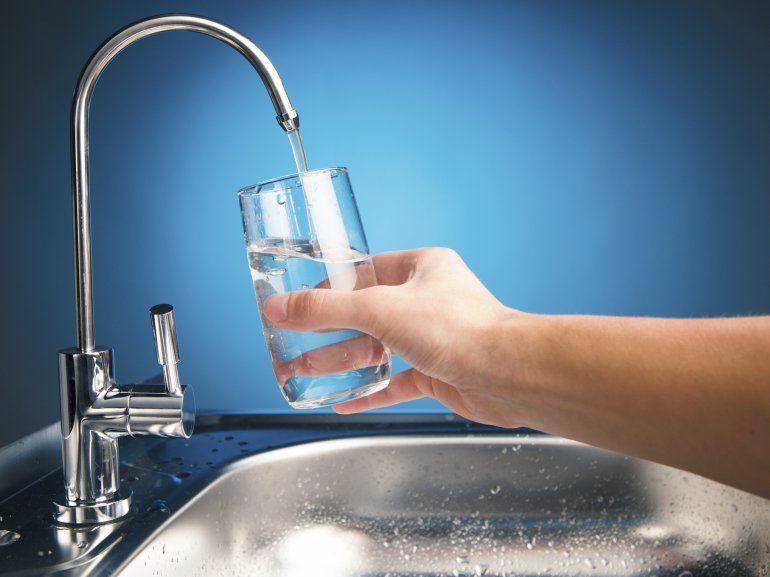 Cuidar el agua, una tarea de todos: mirá estos consejos para hacerlo