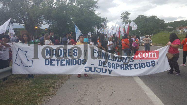 Agrupaciones marcharon por el Día de la Memoria por la Verdad y Justicia en Jujuy