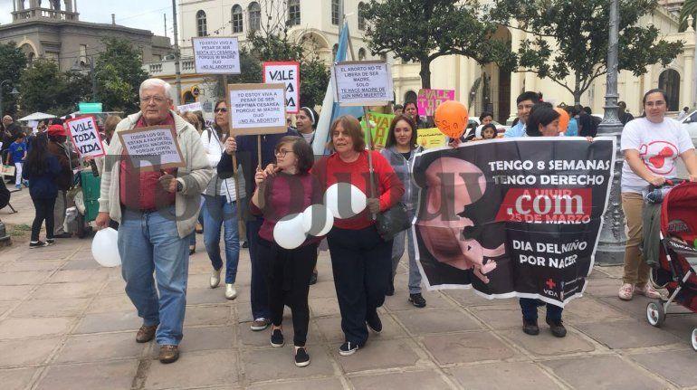 Cientos de personas marcharon en Jujuy contra la legalización del aborto
