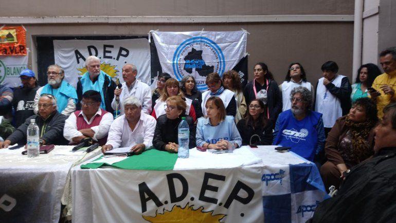 Los gremios docentes y los estatales confirmaron que van al paro el miércoles 4 de abril