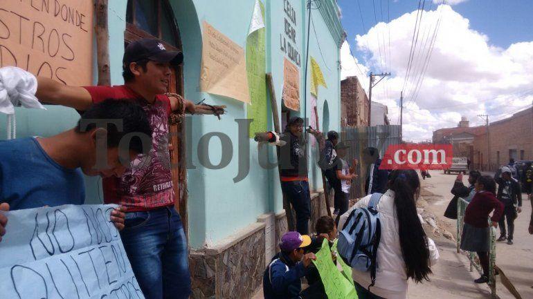 Estudiantes del CEIJA Idear se crucificaron buscando tener respuestas