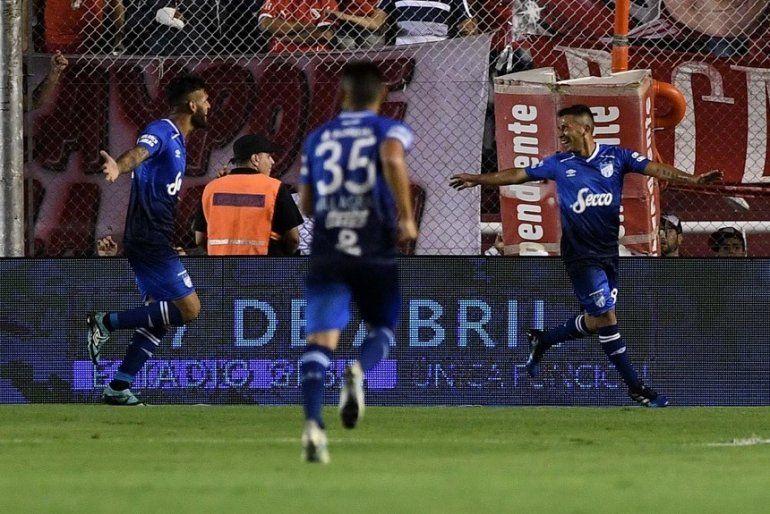 Sábado de gloria para Atlético Tucumán: le ganó a Independiente en Avellaneda