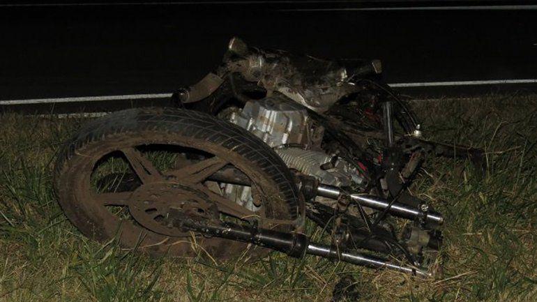 Dos jóvenes motociclistas perdieron la vida luego de ser chocados por un auto