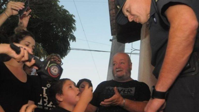 Bahía Blanca: el desgarrador reclamo de un nene a un comisario, Señor, está muriendo gente