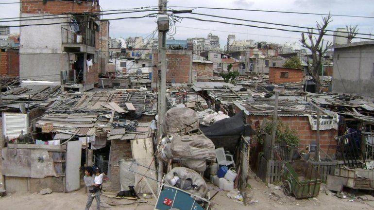 Para la UCA, no hay indicios de que la pobreza vaya a disminuir en el futuro