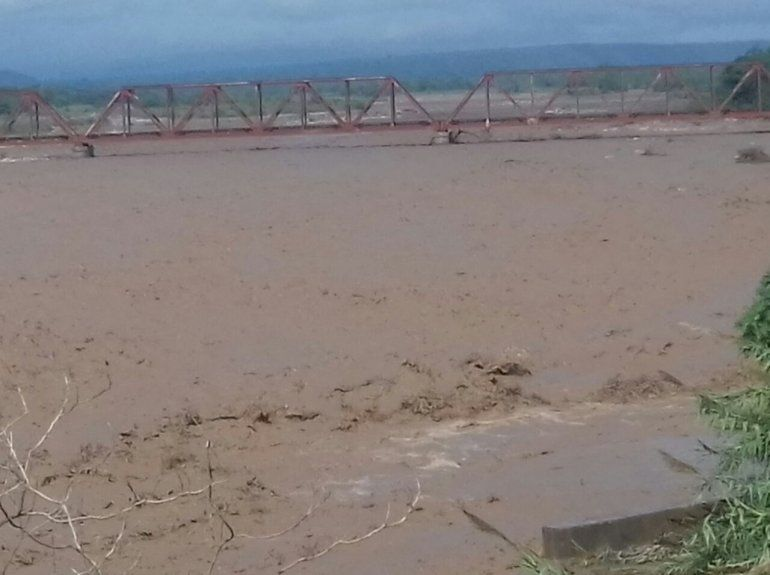 Fuerte temporal en Libertador  provocó cortes e inundaciones