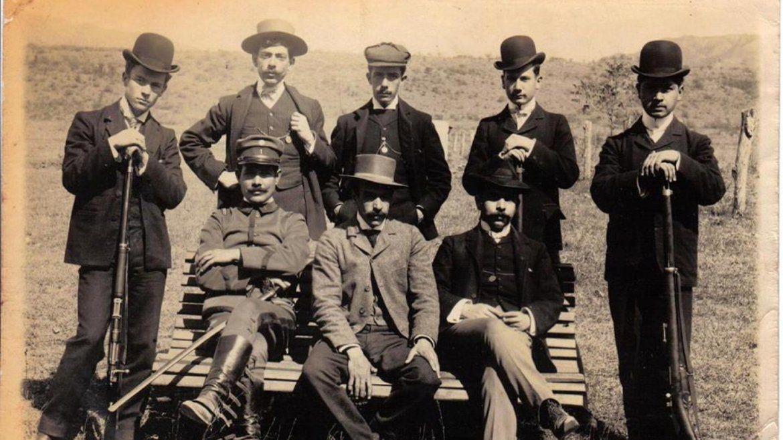 ESTUDIANTES DEL COLEGIO NACIONAL EN 1900.HORACIO CARRILLO