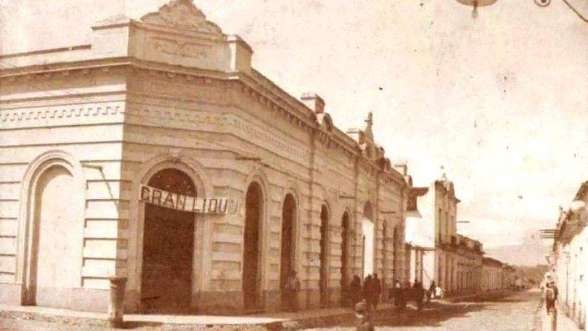 Mercado municipal - Alvear y Balcarce - 1918