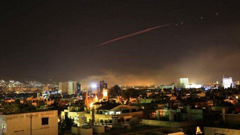 Estados Unidos bombardea Siria en coalición con Francia y el Reino Unido