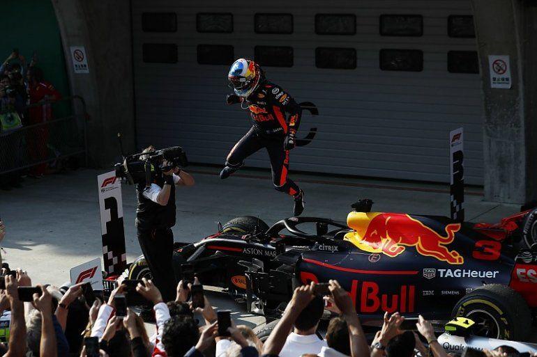 Daniel Ricciardo dio la sorpresa en Shanghai