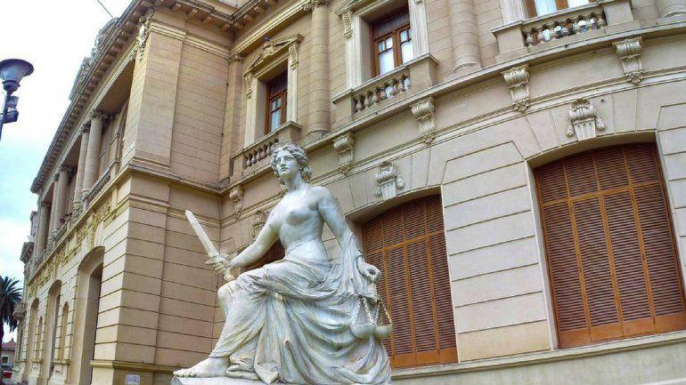 Esculturas de Lola Mora: hoy llega el grupo que evaluará el traslado