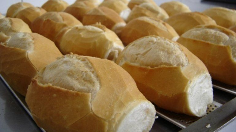 La suba del dólar y el impacto en los precios de la canasta básica: ¿Se viene otro aumento del pan?