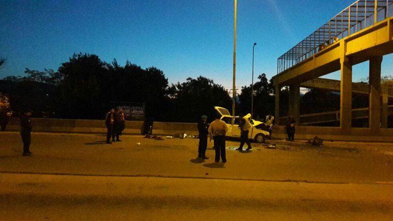 Accidente fatal en Av. Savio: tres personas murieron y otras dos fueron trasladadas al hospital Pablo Soria