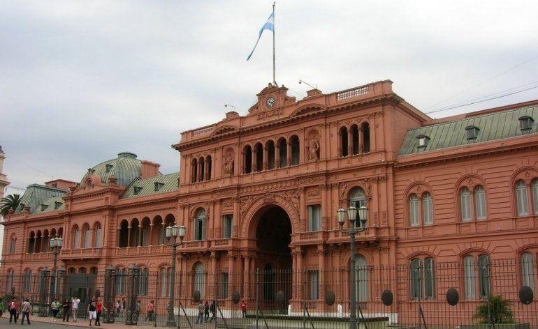 Macri se reunió con Sturzenegger, Dujovne, Caputo y Aranguren, en medio de la tensión por el dólar