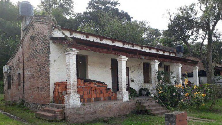 Allanaron la casa de un policía y lo detuvieron por abuso de menores y grooming