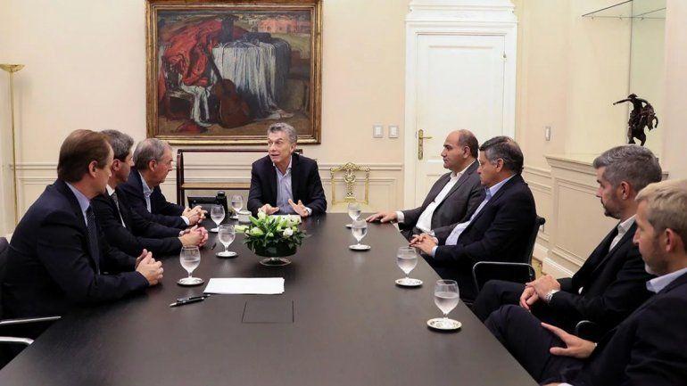 Mauricio Macri con los gobernadores peronistas: nueva sintonía, plan 2019 y apoyo por el FMI