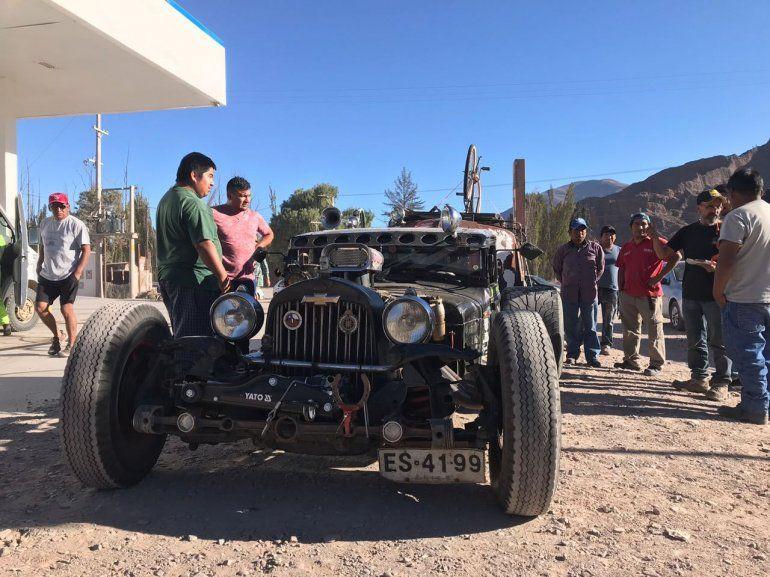 De la Patagonia a Alaska, pasando por Jujuy: este hombre armó su propio auto para cumplir el sueño