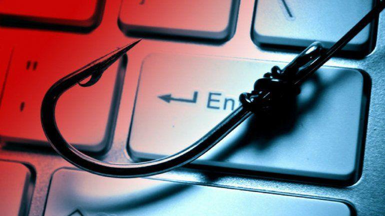 Detuvieron a un estudiante que hackeó a sus profesores para subirse las notas