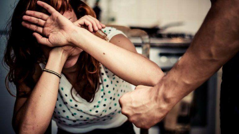 Lo conoció por Facebook, se casó, y en 7 días pidió el divorcio por violencia degénero