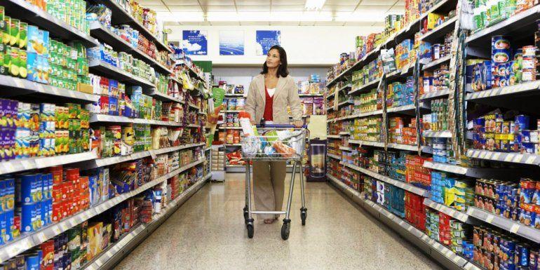 Los bancos podrán tener minisucursales en los supermercados y otros comercios