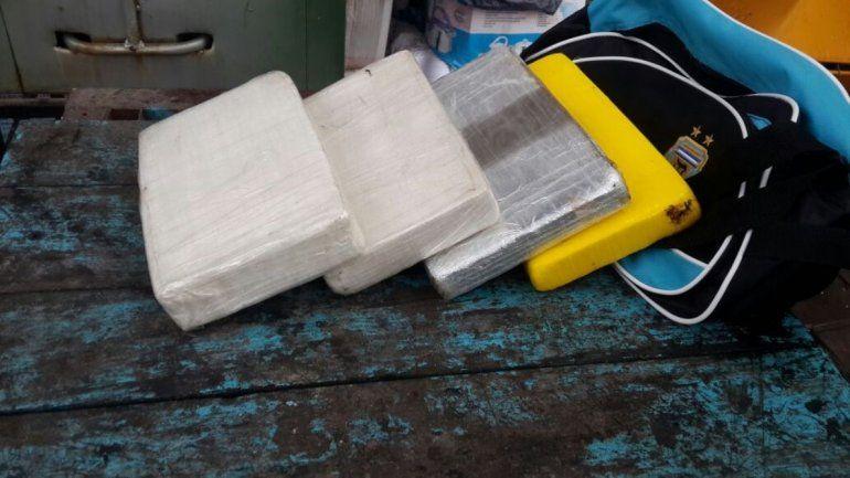 Pampa Blanca: incautan 4 kilos de droga en un colectivo de larga distancia
