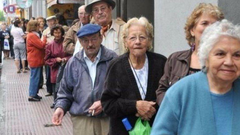 El Gobierno confirmó el aumento de más de un 8% en las jubilaciones