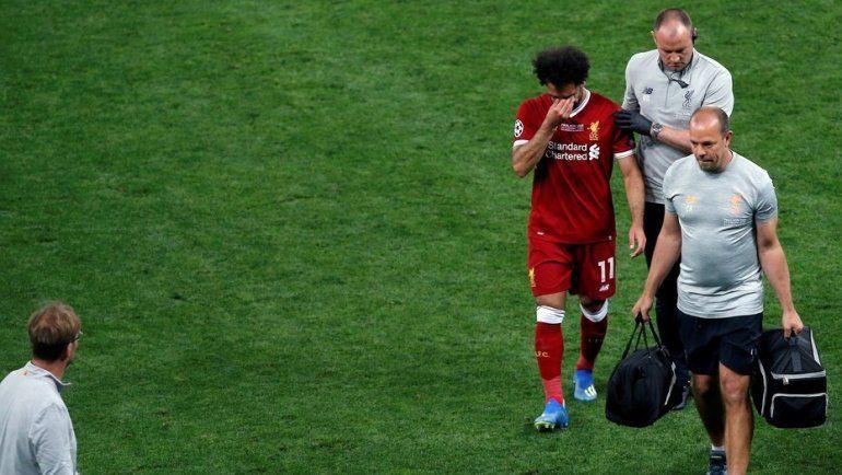 El médico del Liverpool confirmó cuánto tiempo necesitará Salahpara recuperarse de la lesión