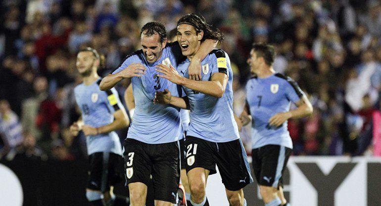 Suárez, Cavani y Godín se entrenaron por primera vez en Uruguay
