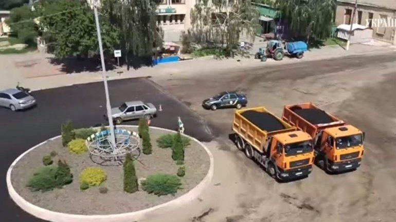 Mujer al volante causó insólita persecución en Ucrania