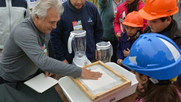 Papel: darán charlas para mas de 3 mil niños concientizando sobre el medioambiente