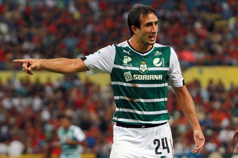 Carlos Izquierdoz, cada vez más cerca de Boca